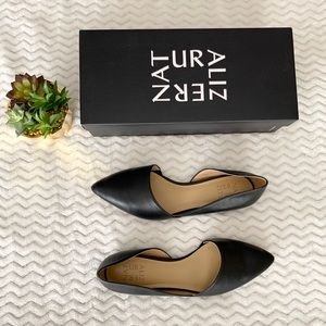 NATURALIZER Black Pointed Toe Flats - Size 8.5